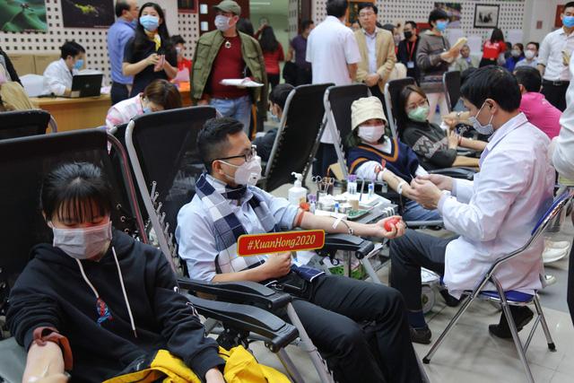 Lễ hội Xuân Hồng 2020: Phòng chống nCoV - Đừng quên đi hiến máu - Ảnh 2.