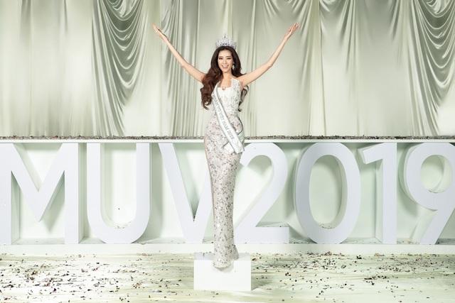 Dàn người đẹp Hoa hậu Hoàn vũ hội ngộ trong bộ ảnh Valentine - Ảnh 5.