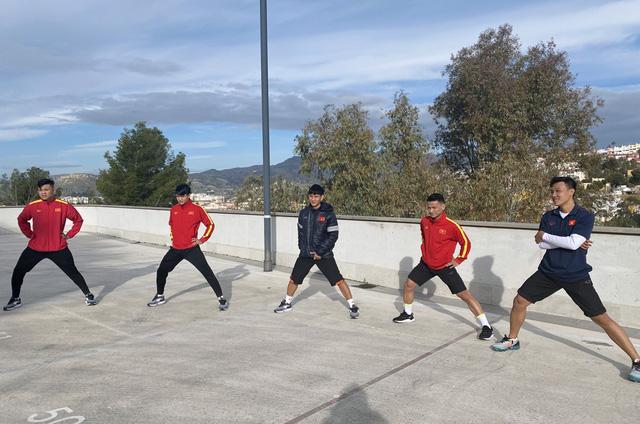 ĐT futsal Việt Nam tích cực chuẩn bị cho trận giao hữu thứ hai tại Tây Ban Nha - Ảnh 2.