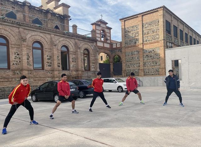 ĐT futsal Việt Nam tích cực chuẩn bị cho trận giao hữu thứ hai tại Tây Ban Nha - Ảnh 4.