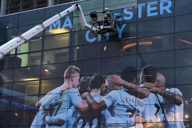 Manchester City bị cấm tham dự cúp châu Âu trong 2 mùa giải - Ảnh 1.