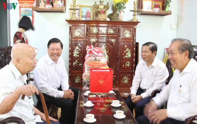 PTTg thường trực Trương Hòa Bình làm việc tại tỉnh Vĩnh Long - Ảnh 2.
