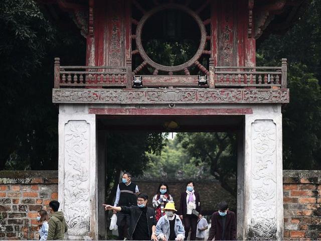 Đối phó với dịch COVID-19: Kịch bản nào cho ngành du lịch Việt Nam? - Ảnh 2.