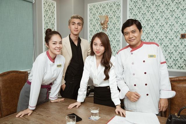Ngắm những bộ cánh chanh sả của Huỳnh Hồng Loan, Bình An trong Tiệm ăn dì ghẻ - Ảnh 14.