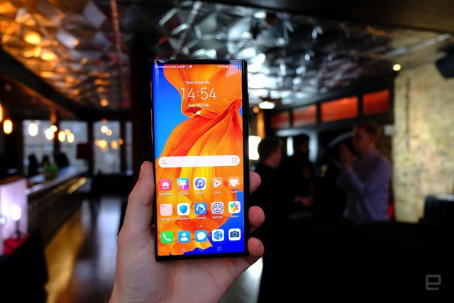 Huawei ra mắt smartphone màn hình gập Mate Xs giá 2.700 USD - Ảnh 7.