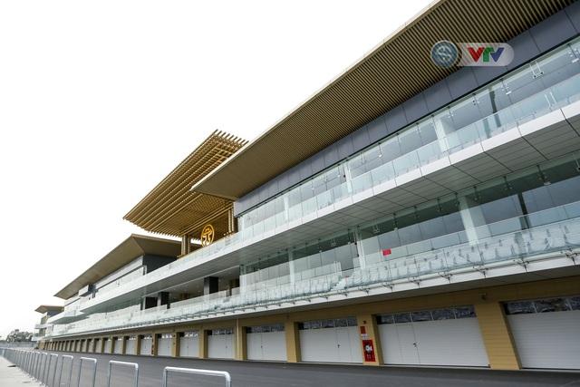 ẢNH: Toàn cảnh trường đua F1 Việt Nam Grand Prix - Ảnh 9.
