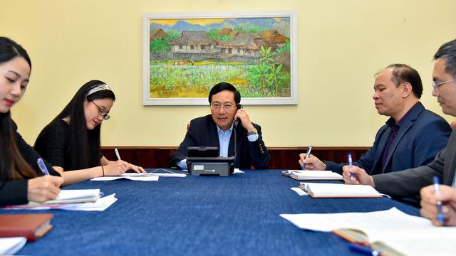 Việt Nam đề nghị Hàn Quốc phối hợp chặt chẽ để phòng chống dịch COVID-19 - Ảnh 1.
