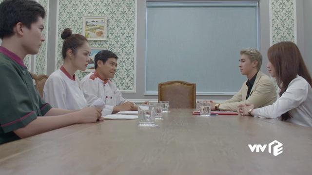 Tiệm ăn dì ghẻ - Tập 21: Phillip chơi xấu sau lưng khiến Ngọc, chef Dương phải nghỉ việc - Ảnh 1.