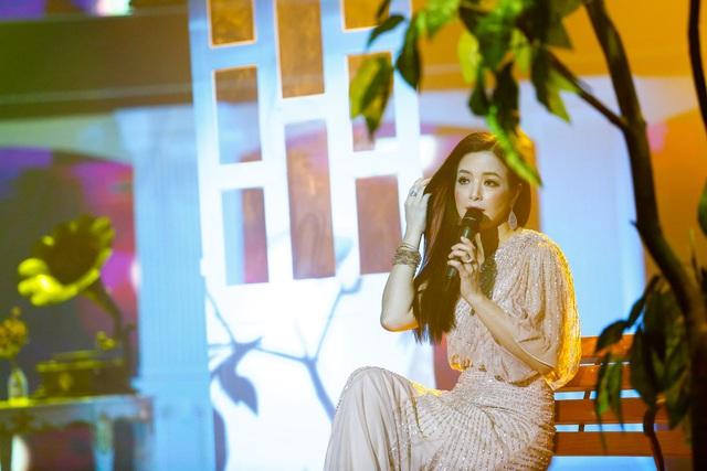 Được ba mẹ cưng chiều khi ở Việt Nam, ca sĩ Như Hảo vẫn phải bươn chải vất vả nơi xứ người - Ảnh 1.