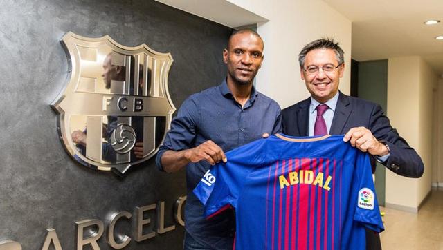 Messi nổi giận, Abidal sắp bị sa thải - Ảnh 1.