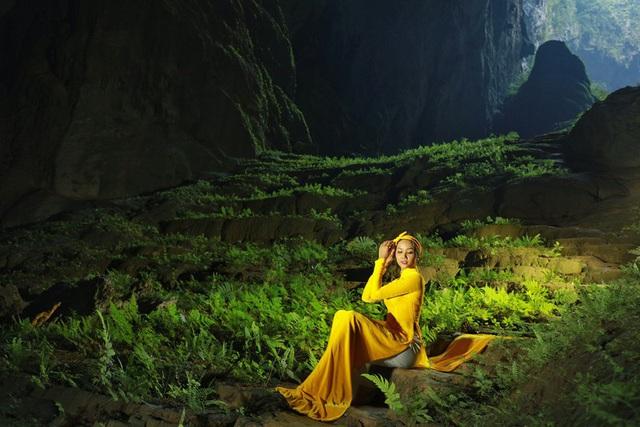 Chiêm ngưỡng bộ ảnh đặc biệt của Hoa hậu HHen Niê tại hang Sơn Đoòng - Ảnh 2.