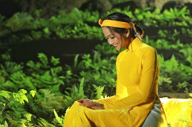Chiêm ngưỡng bộ ảnh đặc biệt của Hoa hậu HHen Niê tại hang Sơn Đoòng - Ảnh 5.