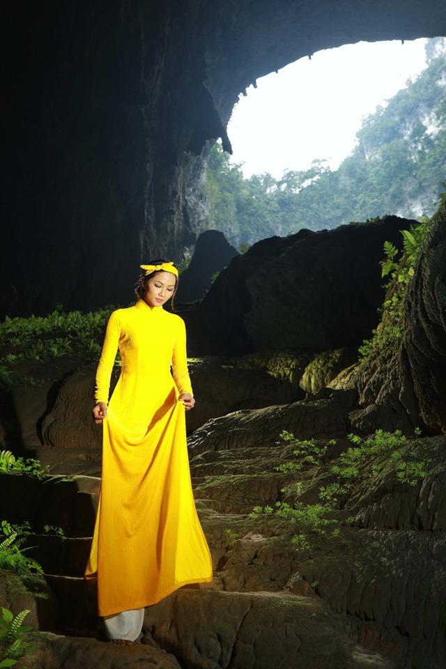 Chiêm ngưỡng bộ ảnh đặc biệt của Hoa hậu HHen Niê tại hang Sơn Đoòng - Ảnh 6.