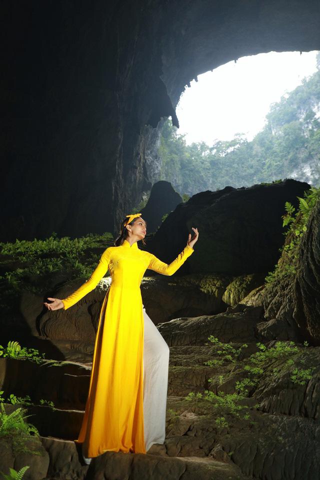 Chiêm ngưỡng bộ ảnh đặc biệt của Hoa hậu HHen Niê tại hang Sơn Đoòng - Ảnh 7.
