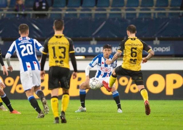 SC Heerenveen: Văn Hậu khó có khả năng đá chính sau tuyên bố của HLV trưởng - Ảnh 2.