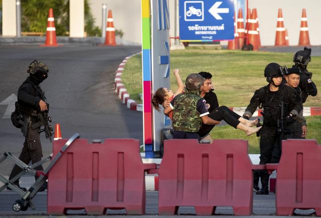Thái Lan: Thủ phạm vụ xả súng làm gần 60 người thương vong bị tiêu diệt - Ảnh 8.