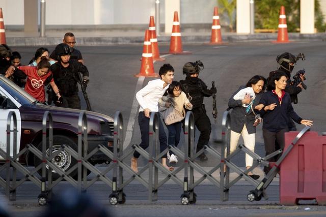 Thái Lan: Thủ phạm vụ xả súng làm gần 60 người thương vong bị tiêu diệt - Ảnh 2.