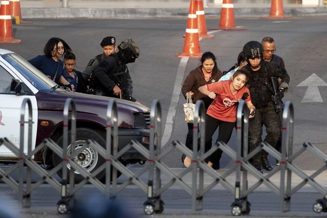 Thái Lan: Thủ phạm vụ xả súng làm gần 60 người thương vong bị tiêu diệt - Ảnh 4.
