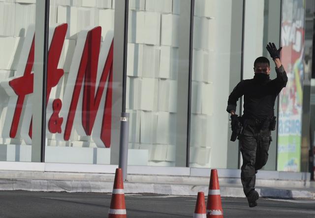 Thái Lan: Thủ phạm vụ xả súng làm gần 60 người thương vong bị tiêu diệt - Ảnh 9.