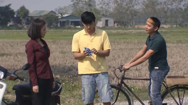 Cô gái nhà người ta - Tập 22: Khoa âm thầm lên thành phố kiểm tra lại mẫu nước bị ô nhiễm nhằm vạch mặt ông Tài - Ảnh 2.