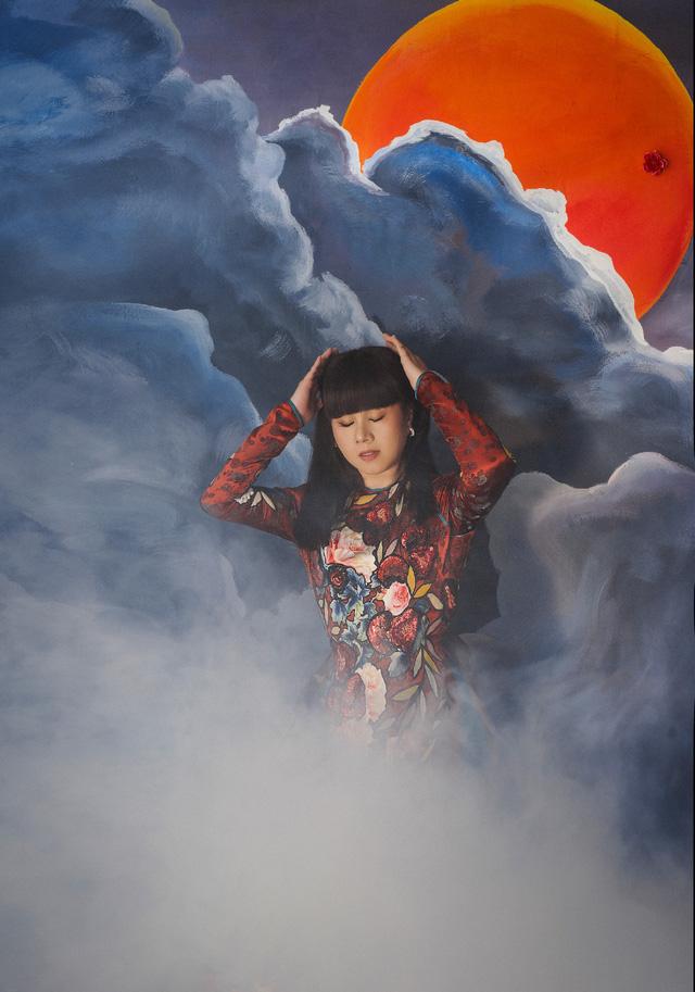 Hoa hậu Hằng Nguyễn khoe bộ ảnh Giọt mơ đậm chất liêu trai - Ảnh 3.