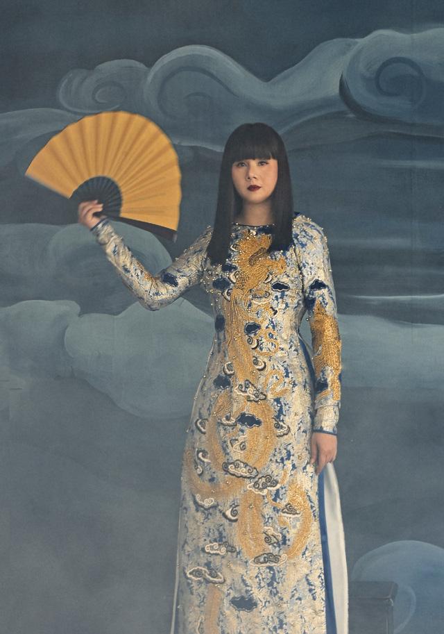 Hoa hậu Hằng Nguyễn khoe bộ ảnh Giọt mơ đậm chất liêu trai - Ảnh 8.