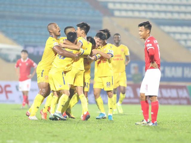 ẢNH: DNH Nam Định giành 3 điểm trước Hồng Lĩnh Hà Tĩnh - Ảnh 11.