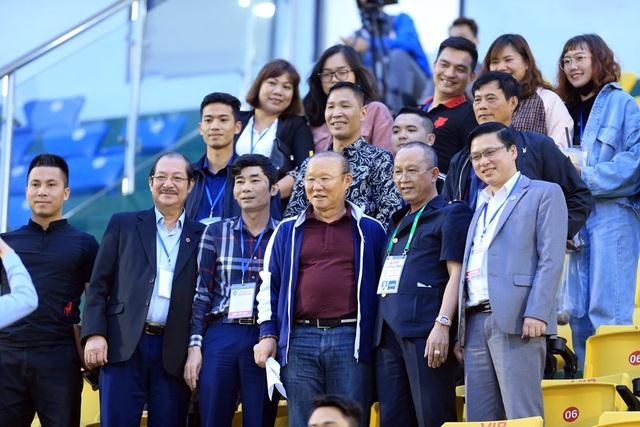 ẢNH: ĐKVĐ CLB Hà Nội nhận thất bại trong chuyến làm khách trước Than Quảng Ninh - Ảnh 2.