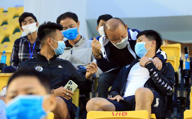 ẢNH: ĐKVĐ CLB Hà Nội nhận thất bại trong chuyến làm khách trước Than Quảng Ninh - Ảnh 1.