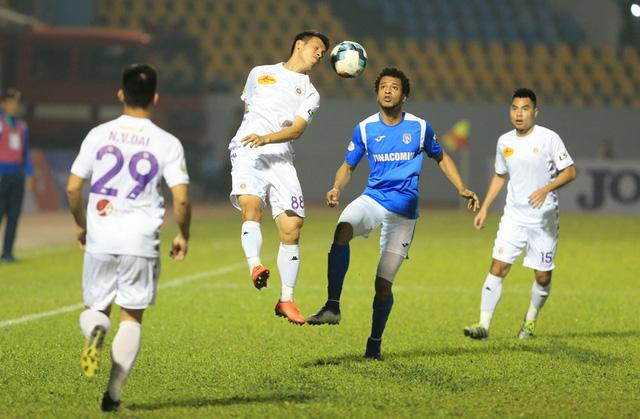 ẢNH: ĐKVĐ CLB Hà Nội nhận thất bại trong chuyến làm khách trước Than Quảng Ninh - Ảnh 11.