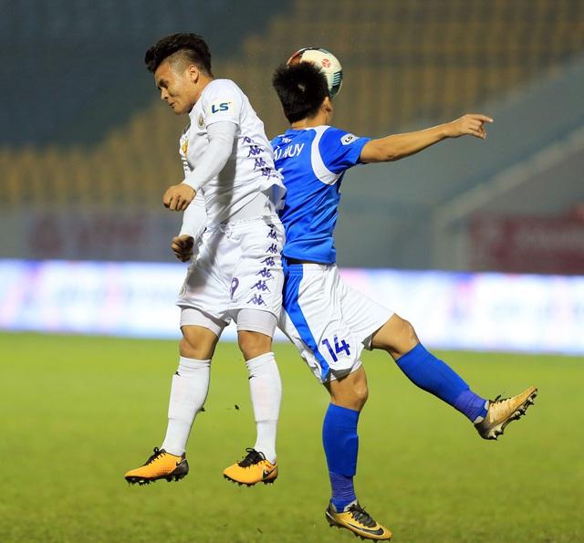 ẢNH: ĐKVĐ CLB Hà Nội nhận thất bại trong chuyến làm khách trước Than Quảng Ninh - Ảnh 8.