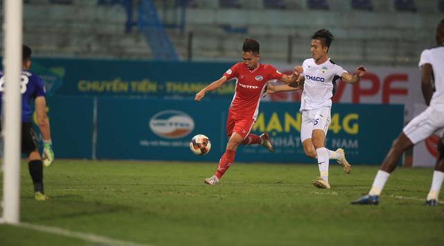 ẢNH: Viettel hòa Hoàng Anh Gia Lai trong trận cầu mưa bàn thắng - Ảnh 7.