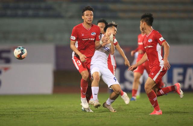 ẢNH: Viettel hòa Hoàng Anh Gia Lai trong trận cầu mưa bàn thắng - Ảnh 4.