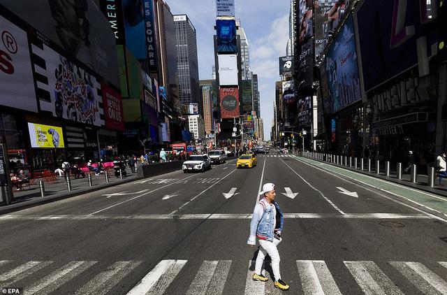 Thành phố không bao giờ ngủ New York (Mỹ) vắng vẻ trong mùa dịch COVID-19 - Ảnh 2.