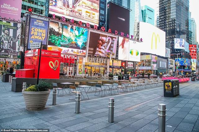 Thành phố không bao giờ ngủ New York (Mỹ) vắng vẻ trong mùa dịch COVID-19 - Ảnh 4.
