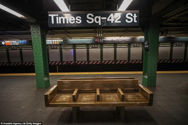 Thành phố không bao giờ ngủ New York (Mỹ) vắng vẻ trong mùa dịch COVID-19 - Ảnh 7.