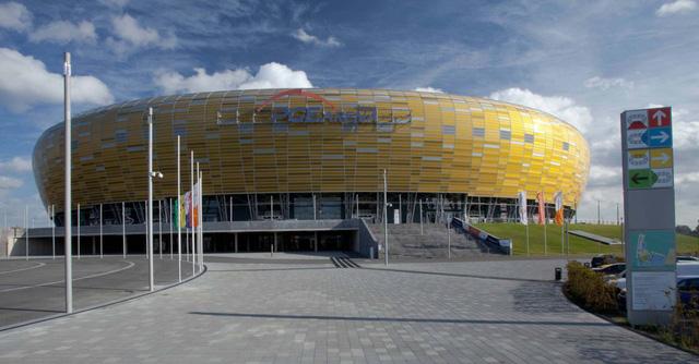 UEFA ấn định ngày đá trận chung kết Champions League và Europa League - Ảnh 2.