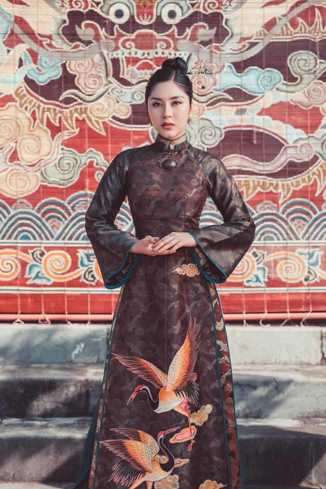 Người đẹp Tô Diệp Hà duyên dáng trong bộ ảnh áo dài - Ảnh 1.