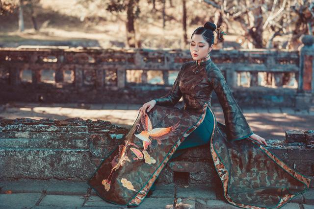 Người đẹp Tô Diệp Hà duyên dáng trong bộ ảnh áo dài - Ảnh 3.
