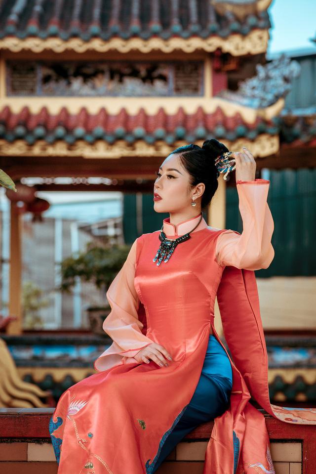 Người đẹp Tô Diệp Hà duyên dáng trong bộ ảnh áo dài - Ảnh 4.