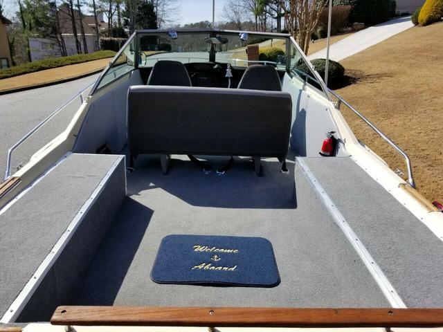 Xế độ: Du thuyền trên cạn, đắt đỏ và đẹp lạ - Ảnh 2.