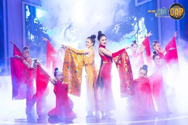 Loạt đồ đôi tuyệt đẹp của Thu Hoài - Dương Hoàng Yến trong Trời sinh một cặp - Ảnh 7.