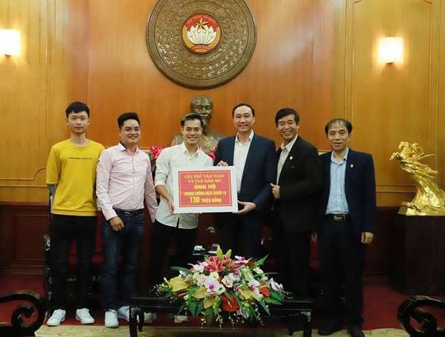 Văn Toàn và fan ủng hộ hơn 150 triệu đồng chống dịch COVID-19 - Ảnh 1.