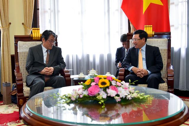 Phó Thủ tướng Phạm Bình Minh trao Huân chương Hữu nghị cho Đại sứ đặc mệnh toàn quyền Nhật Bản - Ảnh 5.