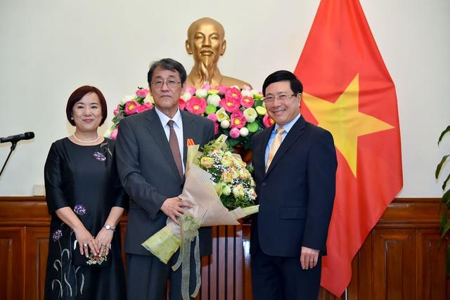 Phó Thủ tướng Phạm Bình Minh trao Huân chương Hữu nghị cho Đại sứ đặc mệnh toàn quyền Nhật Bản - Ảnh 3.
