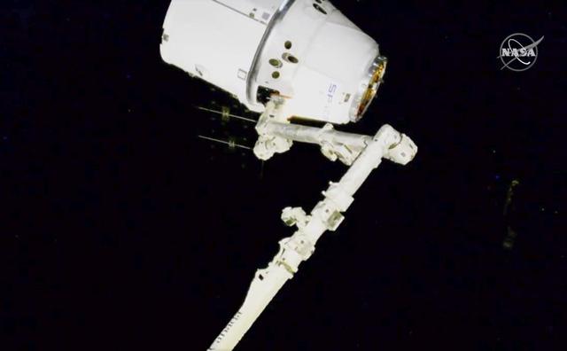 ISS có lẽ là nơi an toàn nhất thế giới khi COVID-19 lây lan mạnh - Ảnh 1.