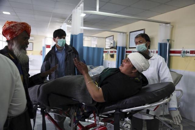 Tấn công ở Afghanistan khiến 25 người thiệt mạng và 8 người bị thương - Ảnh 2.