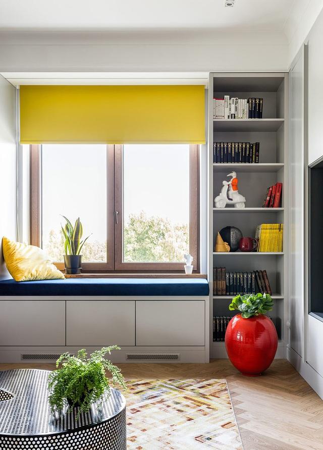 Ngôi nhà trang trí nội thất màu xanh và vàng lạ mắt - Ảnh 2.
