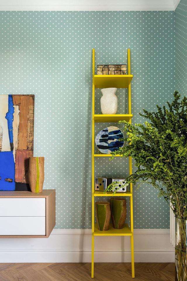 Ngôi nhà trang trí nội thất màu xanh và vàng lạ mắt - Ảnh 10.