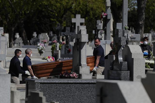 Số ca tử vong vì COVID-19 trên thế giới vượt quá 24.000 người - Ảnh 2.
